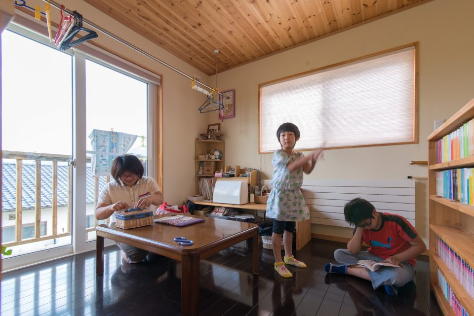 2階寛ぎスペース兼お母さんの趣味部屋