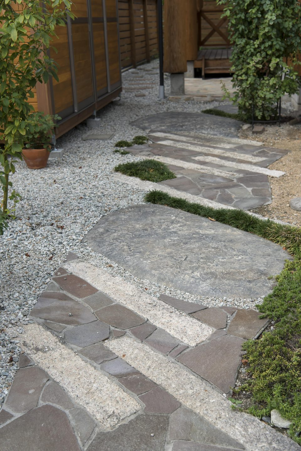 以前の家で使用していた基礎の石