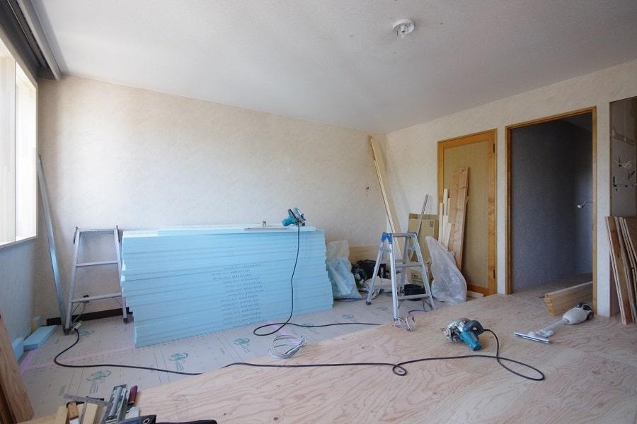 居室:リノベーション中。LDコーナーと寝室コーナーに分ける予定です