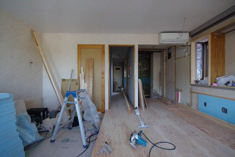 居室:リノベーション中。中央部にパーティションを建てる予定です