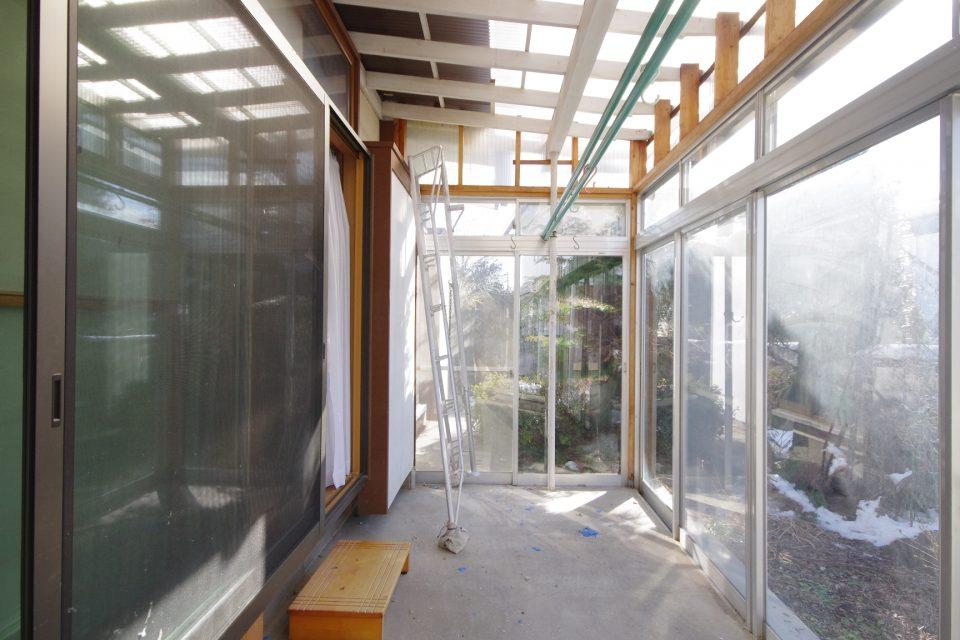 玄関:サンルームは残し、デッキポーチにします