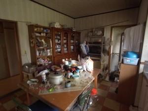 03 リフォーム前 収納も少なかった昔ながらの台所が