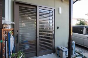 09 日本の住宅にマッチする引違玄関扉