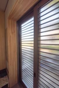 11 玄関窓からもたくさんの光が差し込みます