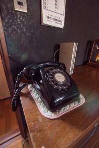 31 年代物のダイヤル式電話も健在です。